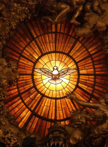 Rom,_Vatikan,_Basilika_St._Peter,_Die_Taube_des_Heiligen_Geistes_(Cathedra_Petri,_Bernini)